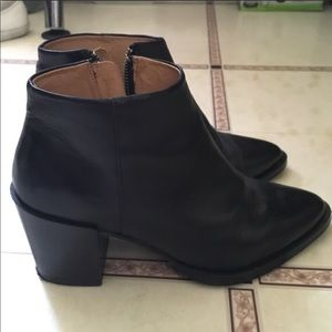 Topshop pointy 100% leather booties